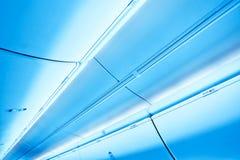 Vista al techo de cristal del aeropuerto del azul de acero Fotos de archivo