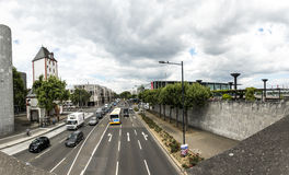 Vista all'autostrada senza pedaggio intorno a Mainz con la vista al corridoio di Rheingold Immagini Stock Libere da Diritti