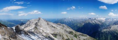Vista all'più alta cima di area del ghiacciaio di Hintertux, Tirolo Fotografie Stock