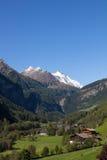 Vista all'più alta montagna di Grossglockner in Austria 3 798m da Heiligenblut Fotografie Stock