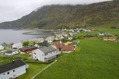 Vista alla città di Alnes dal faro in Alnes, Norvegia Fotografia Stock Libera da Diritti
