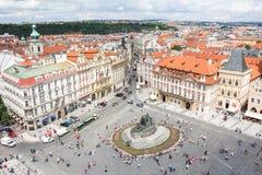 Vista alla città di Praga da Città Vecchia Hall Tower In Czech Republic Fotografie Stock Libere da Diritti