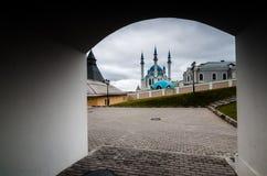 Vista alla distanza della moschea Immagini Stock