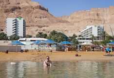 Vista alla spiaggia del mar Morto Immagine Stock Libera da Diritti