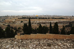 Vista alla vecchia città Gerusalemme ed alla cupola della roccia, Israele Fotografie Stock Libere da Diritti