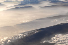 Vista alle montagne delle alpi Fotografie Stock