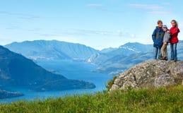 Vista di Como del lago summer (Italia) e famiglia fotografie stock