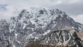 Vista alpina nelle vicinanze del passaggio Vrsic Immagine Stock