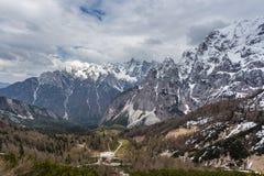 Vista alpina nelle vicinanze del passaggio Vrsic Fotografia Stock Libera da Diritti
