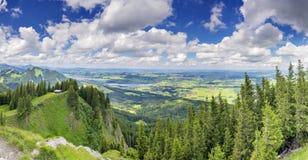 Vista Alpspitze Nesselwang di panorama Fotografia Stock