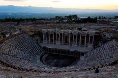 Vista ao anfiteatro do período romano grego em Pamukka Foto de Stock