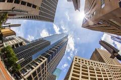 Vista ao arranha-céus moderno Fotografia de Stock