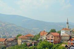 A vista ao castelo no Travnik Fotos de Stock Royalty Free