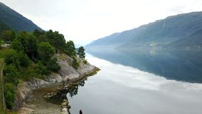 Vista ao fiorde e à água do zangão em Noruega Imagem de Stock Royalty Free