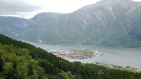 Vista ao fiorde e à água do zangão em Noruega Fotos de Stock