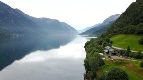 Vista ao fiorde e à água do zangão em Noruega Foto de Stock