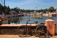 Vista ao lago sagrado Kotiteerkha em Gorarna Foto de Stock