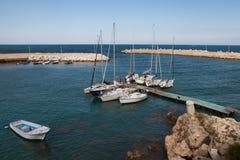 Vista ao litoral em Giovinazzo imagem de stock royalty free