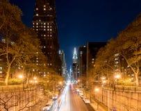 Vista ao longo da 42nd rua - New York City Fotografia de Stock Royalty Free