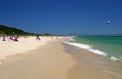 Vista ao longo da praia espanhola em Tarifa Spain do sul em Europa. Imagem de Stock