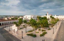 Vista ao quadrado de José Martíi, Cienfuegos, Cuba Imagens de Stock Royalty Free