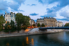 Vista ao Saint Louis de Ile em Paris, França Fotos de Stock