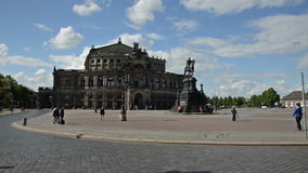 Vista ao Semperoper em Dresden Fotos de Stock Royalty Free