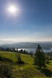 Vista aos cumes suíços da American National Standard de Zugersee de Zugerberg, Suíça Fotografia de Stock Royalty Free