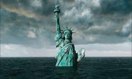 Vista apocalittica dell'acqua Vecchia statua della libertà in tempesta 3d rendono Immagine Stock Libera da Diritti