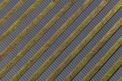 Vista aérea da planta de energias solares Imagens de Stock