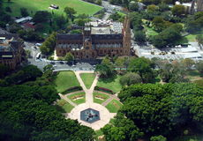 Vista aérea de la catedral de Hyde Park y de St Mary de Sydney Eye Tower Fotografía de archivo libre de regalías