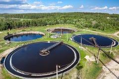 Vista aérea de la depuradora de aguas residuales industrial Fotografía de archivo
