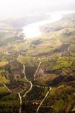 Vista aérea de los campos de granja Fotos de archivo