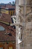 Vista aérea de Milão do terraço do telhado do domo, Itália Imagem de Stock