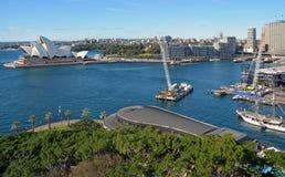 Vista aérea de Sydney Harbour, del teatro de la ópera y de la circular Quay Foto de archivo