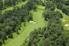 Vista aérea de un campo de golf Fotos de archivo libres de regalías