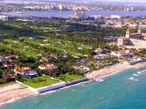 Vista aérea del campo de golf de los trituradores del Palm Beach Foto de archivo