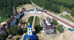 Vista aérea del monasterio de las mujeres de Nicolás del santo en Solba, Yaroslavl Fotografía de archivo
