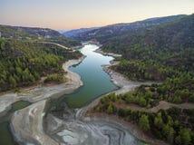 Vista aérea del río de Diarizos, Chipre Imagen de archivo libre de regalías