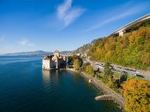 Vista aérea do castelo de Chillon - Castelo de Chillon em Montreux, Suíça Fotos de Stock Royalty Free