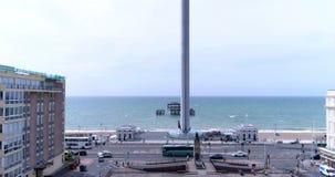 Vista ascendente aérea de un cuadrado de la regencia en Brighton y Hove metrajes