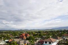 Vista asiatica rurale della città fotografia stock