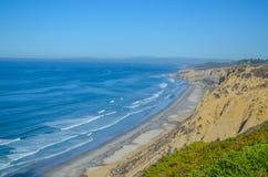 Vista asombrosa de la Costa del Pacífico cerca de San Diego, California Fotos de archivo libres de regalías