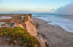 Vista asombrosa de la Costa del Pacífico cerca de Santa Barbara, California Fotos de archivo