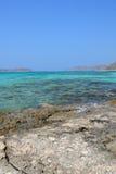 Vista asombrosa de la laguna de Balos Nave en el horizonte crete foto de archivo libre de regalías