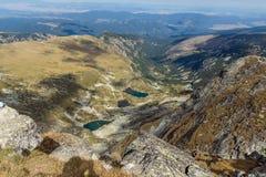 Vista asombrosa de los lagos Malyovishki del pico de Malyovitsa, montaña de Rila Imagen de archivo libre de regalías