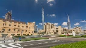 Vista asombrosa del hyperlapse del timelapse del horizonte de Dubai Rascacielos residenciales y del negocio adentro en el centro  almacen de video