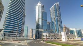 Vista asombrosa del hyperlapse del timelapse del horizonte de Dubai Rascacielos residenciales y del negocio adentro en el centro  almacen de metraje de vídeo