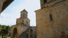 Vista asombrosa del monasterio de Gelati en la ciudad de Kutaisi, Georgia, herencia histórica almacen de video