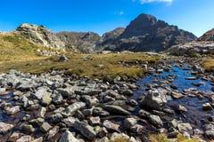 Vista asombrosa del pico de los lagos Elenski, montaña de Orlovets de Rila Fotografía de archivo libre de regalías